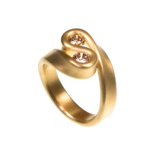 Gold Ring wiyh Brown Diamond