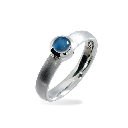 Ring with 5mm Moonstone